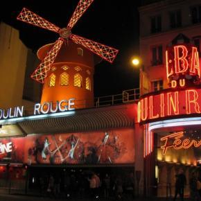 Compagnie Hôtelière de Bagatelle - Les Plumes Hotel Paris - Location - Place Pigalle - Moulin rouge